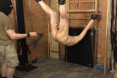 A bdsm-session In A charming Afternoon. The master Likes To Play With The Balls Of The serf And thrashing The ass. master: Sadist52 serf: MasoFun
